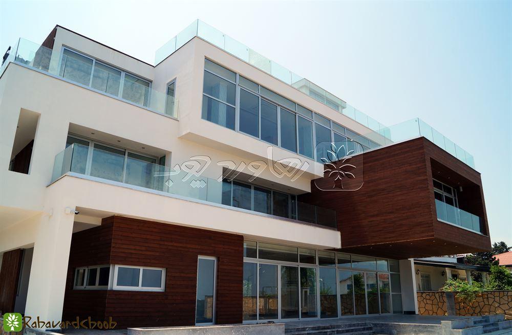 اجرای ترموود در نمای بقل ساختمان پروژه یزدشهر – شهرک پزشکان
