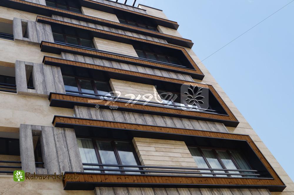 اجرای سه رنگ چوب ترمو در نمای ساختمان