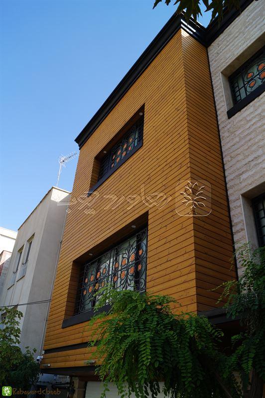 استفاده از چوب ترمو در نمای بیرونی خانه از نمای کناری