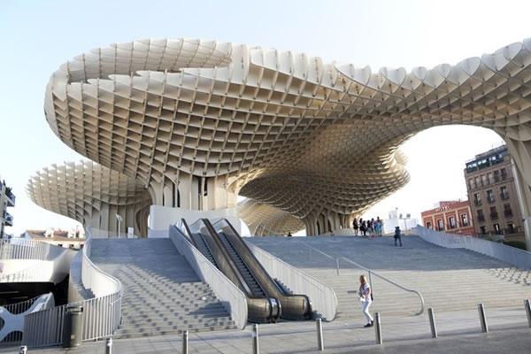 آشنایی با دوازده ساختمان چوبی